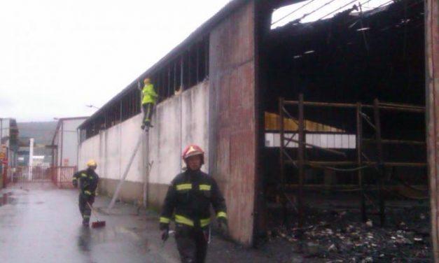 Los bomberos extremeños realizan numerosas salidas para solucionar las incidencias por el viento