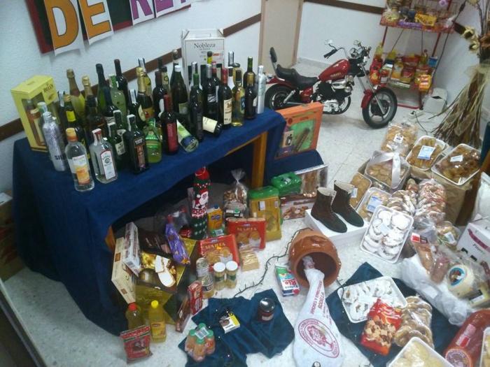 Cáritas Parroquial de Torrejoncillo organiza la Cesta Solidaria del día de Reyes