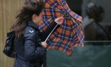 El Centro 112 activará mañana la alerta naranja por fuertes vientos en la provincia de Cáceres