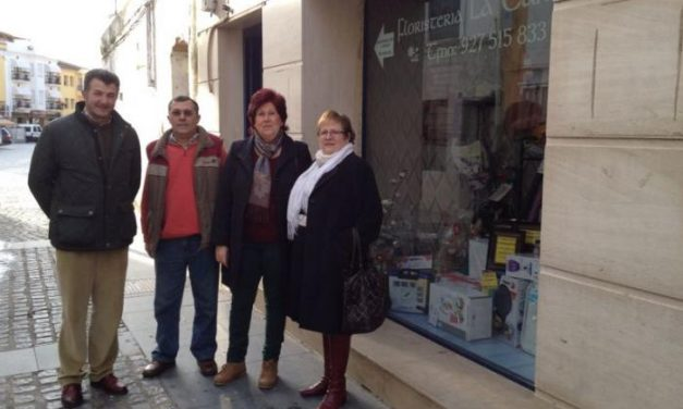 Mamen Clavel gana el primer premio de la VII edición del Concurso de Escaparates de la localidad de Moraleja