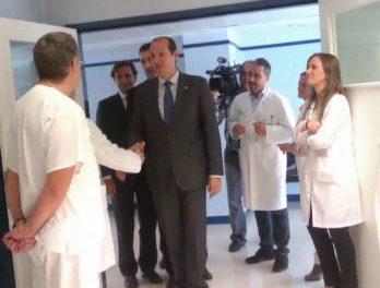 Carrón anuncia una investigación para esclarecer el asunto de los pañales en el hospital de Plasencia