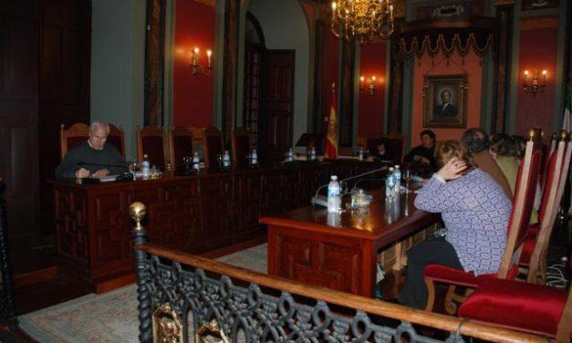 IU-SIEX le recuerda al alcalde socialista de Trujillo que no gobierna en mayoría y le pide que cambie su política