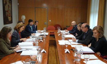 La Delegación del Gobierno y el Ejecutivo central analizan el protocolo de tratamiento de drogas de la región