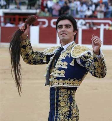 El torero Miguel Ángel Perera consigue el premio al mejor torero al natural de la feria de Castellón