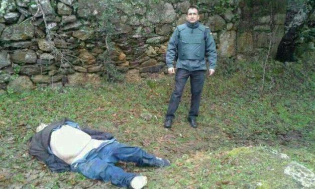 El asesino fallecido hoy durante su detención en Plasencia presenta un impacto de bala en la espalda
