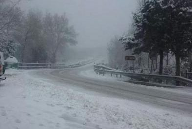 Los puertos de Piornal y Hervás permanecen cortados por la nieve y es obligatorio el uso cadenas en la N-110