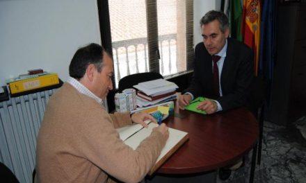 El equipo de Gobierno de la Diputación mantiene su reunión mensual en Valencia de Alcántara