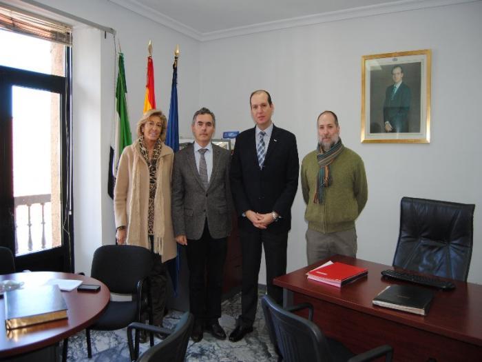 Pablo Carrilho demanda al Gobierno de Extremadura la creación de programas de formación socio-sanitaria