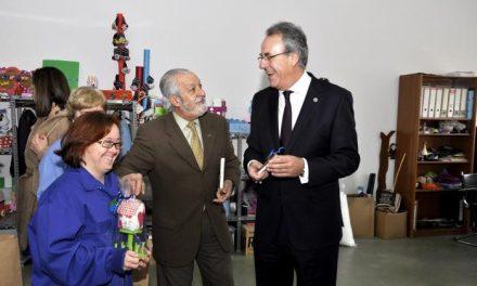 La fundación Placeat de Plasencia recibe la visita del rector de la Universidad de Extremadura, Segundo Piriz