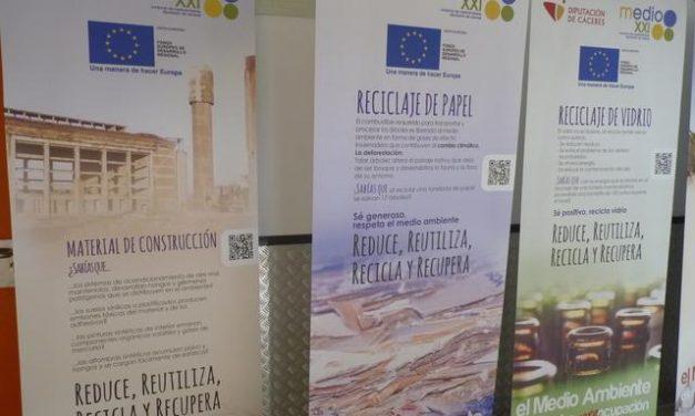 Alumnos del IES de Hoyos mejoran sus conocimientos en protección medioambiental y reciclaje