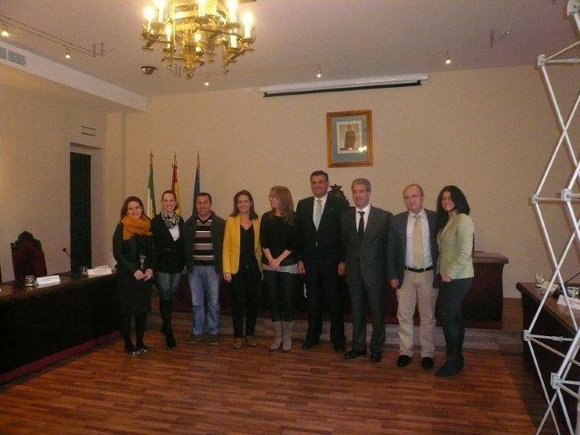 El Gobierno de Extremadura invertirá 150.000 euros en el mercado de abastos de Coria y 330.000 en la travesía