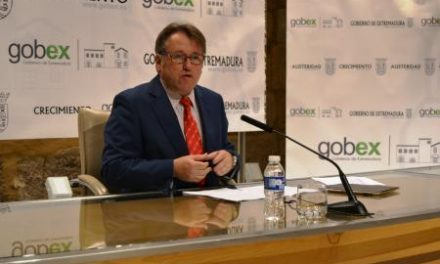 El consejero de Fomento anuncia que se entregarán 139 viviendas de promoción pública en 2014