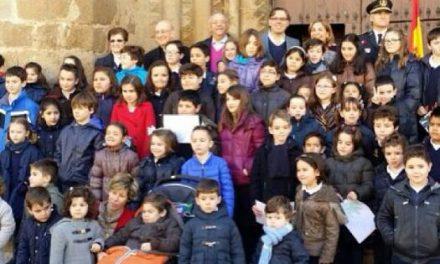 """Los alumnos de la Escuela Hogar Placentina """"adoptan"""" el monumento de la iglesia de San Nicolás"""