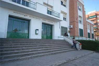La justicia dicta dos años de reclusión para el menor que atacó a un profesor de Cáceres con un cuchillo