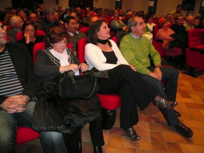 La candidata socialista Rafaela Fuentes adquiere el compromiso de desarrollar las leyes sociales