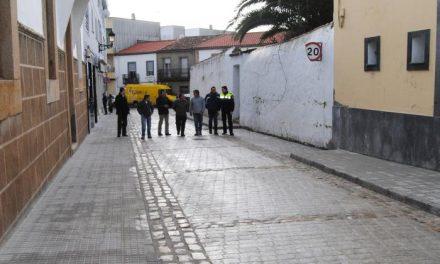 El Ayuntamiento de Valencia de Alcántara abre de nuevo al tráfico la calle José Cabrera tras las obras