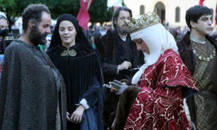 Plasencia pondrá en marcha esta primavera las rutas históricas guiadas sobre la reina Isabel La Católica