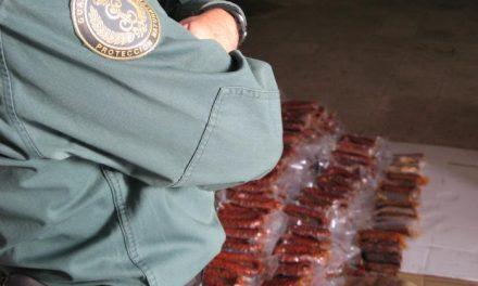 La Guardia Civil deteniene a cuatro personas por vender embutidos y quesos sin control sanitario