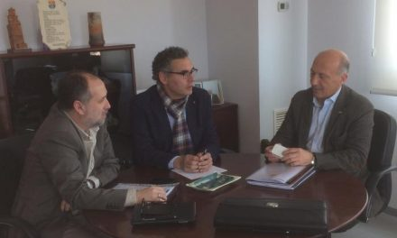Valencia de Alcántara cierra los últimos trámites para la construcción del campo de fútbol  de césped artificial