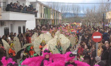 """El grupo """"Guamanbi"""" se hace con el primer premio del Gran Desfile de Carnaval de Moraleja"""