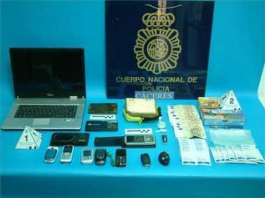 La Policía intercepta un alijo de 25.000 dosis de cocaína y detiene a 4 personas en la operación Mito en Cáceres