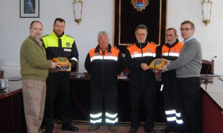 Protección Civil y Policía Local de Valencia de Alcántara cuentan con nuevos desfibriladores