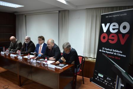 El Gobierno de Extremadura promociona los vinos extremeños con el cine como gancho