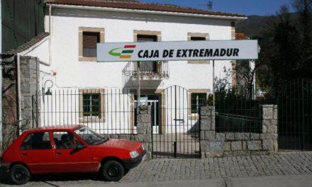 Dos atracadores a punta de pistola y a cara descubierta roban en Caja Extremadura de Casas del Monte
