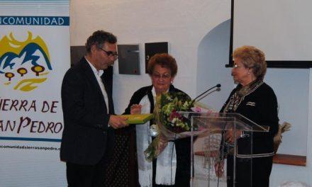Valencia de Alcántara rinde homenaje María Luisa Berriales en el Día Internacional de la Mujer