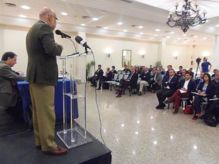 Echávarri avala la innovación del sector hortofrutícola y destaca que mueve el 30% de las exportaciones de la región