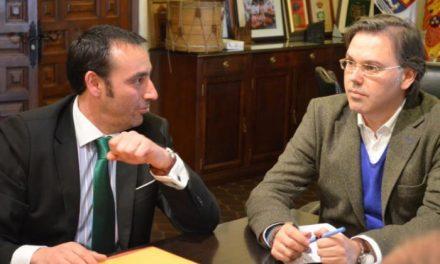 Los comerciantes de la Zona Centro y el Ayuntamiento de Plasencia crearán una mesa de trabajo conjunto