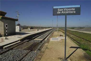 """Adif licita ahora con """"urgencia"""" el arreglo de la vía del Lusitania entre Cáceres y Valencia de Alcántara"""