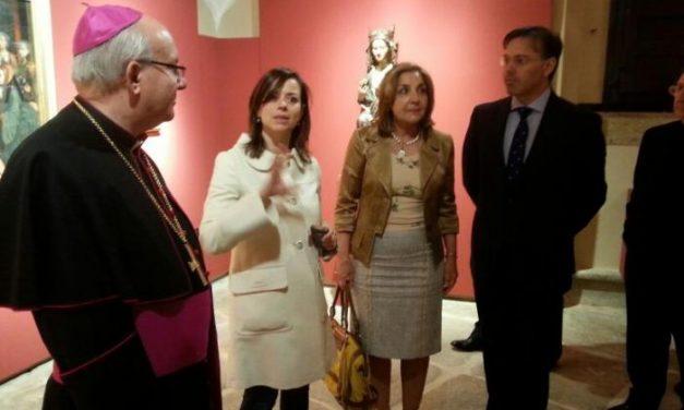 El obispo de Plasencia confía en que en 2014 se inicien las obras de restauración del coro de la Catedral