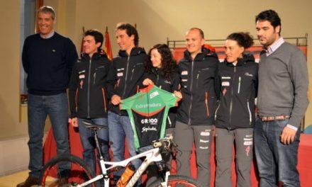 Antonio Pedrera asiste a la presentación del Extremadura MTB Team en Plasencia
