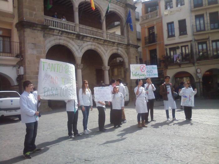 Educación analizará la falta de recursos del módulo de cocina del IES Sierra de Santa Bárbara de Plasencia