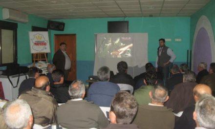 Vegaviana acoge una charla sobre variedades de maíz con  la asistencia de treinta agricultores