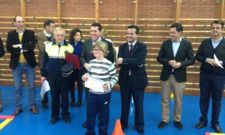 Nevado-Batalla anima a los alumnos del Virgen de Vega de Moraleja a aprender más sobre educación vial