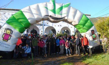 Alrededor de 760 senderistas se dan cita en la Ruta Transfrontera 2014 de Valencia de Alcántara