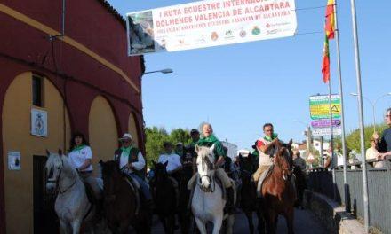 La I Ruta Ecuestre por los Dólmenes de Valencia de Alcántara congregó a más de 120 personas