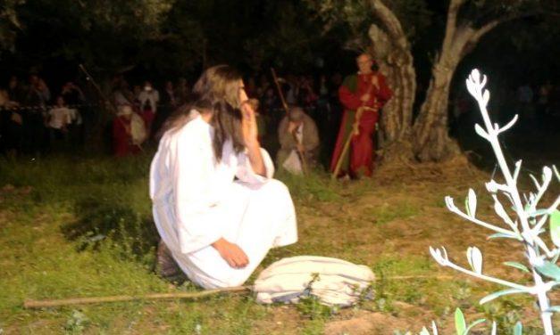Unas 2.500 personas asisten la representación de la Pasión de Cristo de Torrecilla de los Ángeles