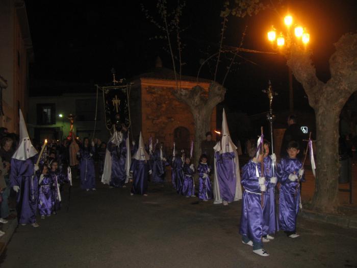 La procesión con la imagen de Cristo del Humilladero congrega a los vecinos de Moraleja