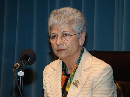 La escritora moralejana Pureza Canelo figura entre los candidatos a los Premios de la Crítica