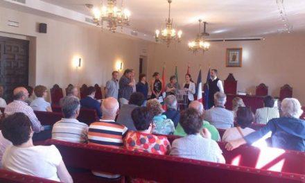 Los vecinos de Erandio y Les Herbiers llegan a la Coria para asistir a la I Feria del Hermanamiento