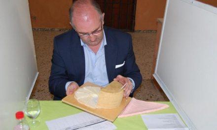 Tres quesos extremeños y uno manchego resultan ganadores de la cata-concurso de la Feria del Queso de Trujillo