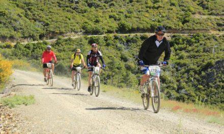 La I Ruta BTT-Las Hurdes congregó el sábado a más de 150 participantes y 50 senderistas