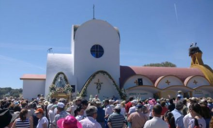 Miles de personas se congregaron el domingo  en la romería de la Virgen de la Vega de Moraleja