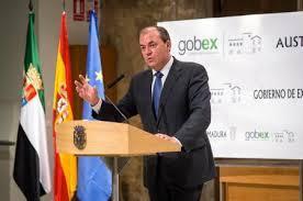 Monago anuncia tres días de luto oficial en Extremadura por los fallecidos en el accidente de Castuera