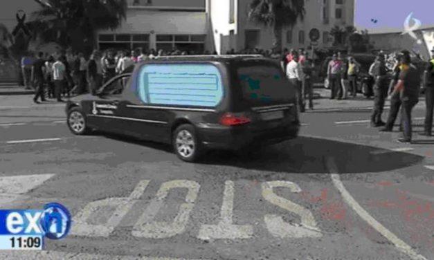 Miles de personas se congregan en Monterrubio de la Serena para despedir a los cinco menores fallecidos
