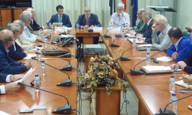Echávarri anuncia una inversión de  diez millones de euros en modernizar el regadío de Extremadura