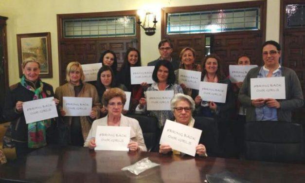 La Oficina de Igualdad de Plasencia atendió a 1.976 personas en 2013 y el Punto de Atención a 194 mujeres